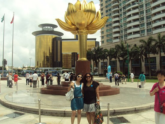 Golden Lotus Square - Macau