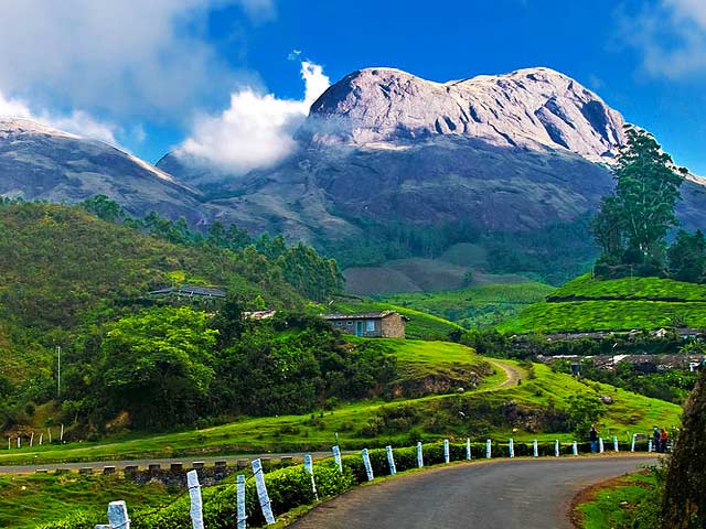 BEST OF KERALA HONEYMOON SPECIAL WITH AIRFARE