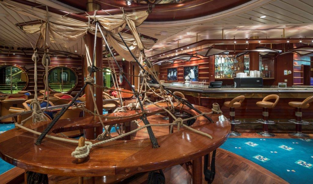 Royal Caribbean Schooner Bar