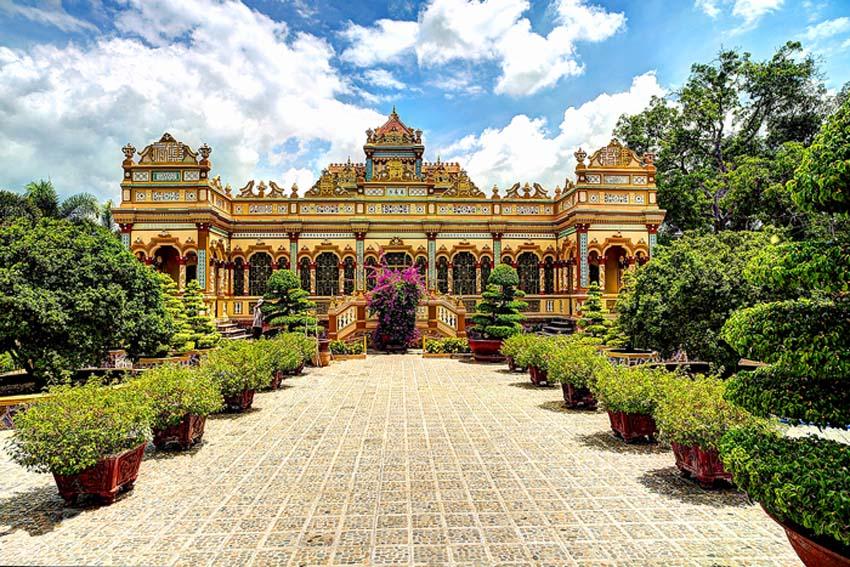 Vinh Trang Pagoda - My Tho